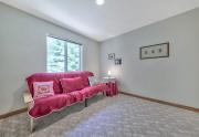 2-Spacious-guest-bedroom