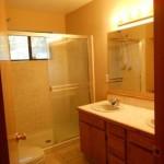 1823 Narragansett bathroom