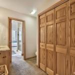 1681 Tionontati bathroom 4