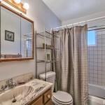 1900 Ibache bathroom 2