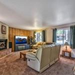 1900 Ibache living room
